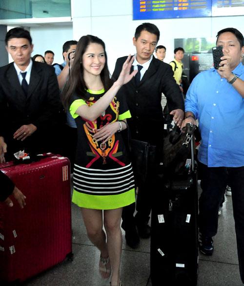 Mỹ nữ đẹp nhất Philippines thân thiện với fan Việt - 6