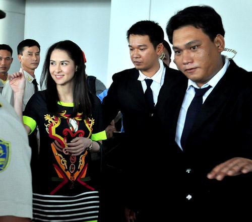 Mỹ nữ đẹp nhất Philippines thân thiện với fan Việt - 4
