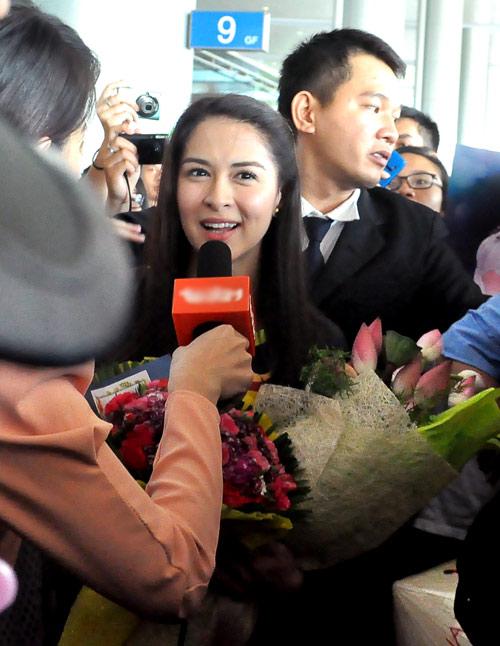 Mỹ nữ đẹp nhất Philippines thân thiện với fan Việt - 14