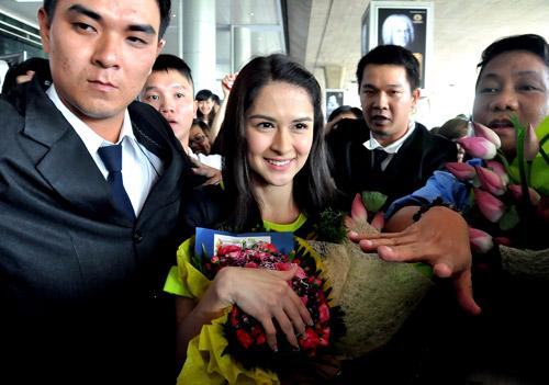 Mỹ nữ đẹp nhất Philippines thân thiện với fan Việt - 12