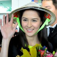 Mỹ nữ đẹp nhất Philippines thân thiện với fan Việt