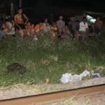 Tin tức trong ngày - Ngủ trên đường ray, 2 người bị tàu tông chết