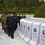 Tin tức trong ngày - Kim Jong-un viếng mộ 30 người lính chết bí ẩn