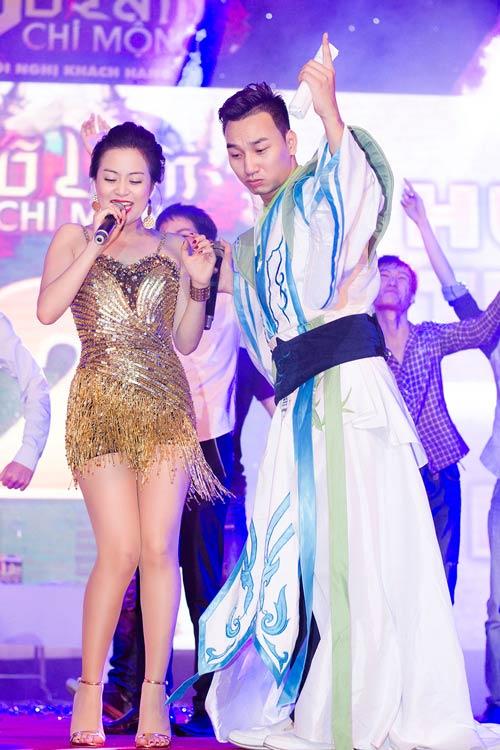 """""""Hoa mắt"""" vì Hoàng Thùy Linh - 15"""