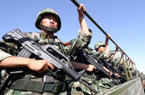 Vụ Thiên An Môn: Tư lệnh Tân Cương mất chức - 1