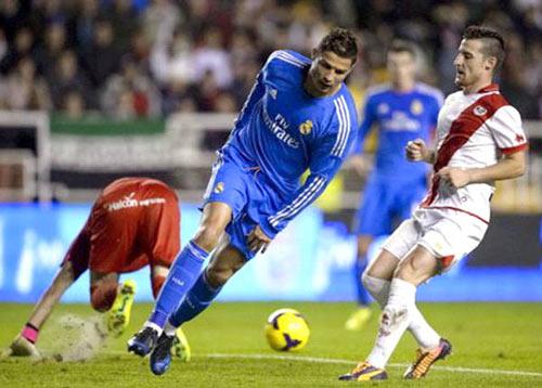 QBV 2013: Màn tăng tốc của Ronaldo - 1