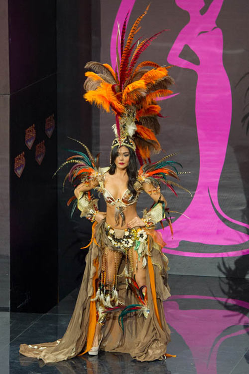 Ngợp vì váy dân tộc tại Miss Universe - 10