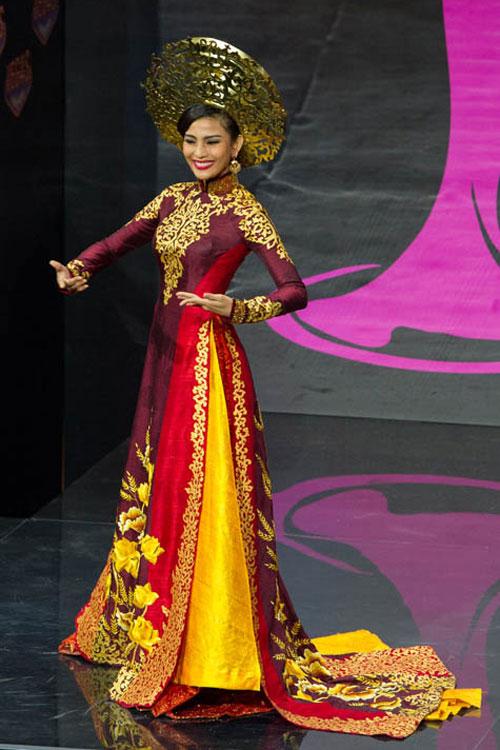 Ngợp vì váy dân tộc tại Miss Universe - 1