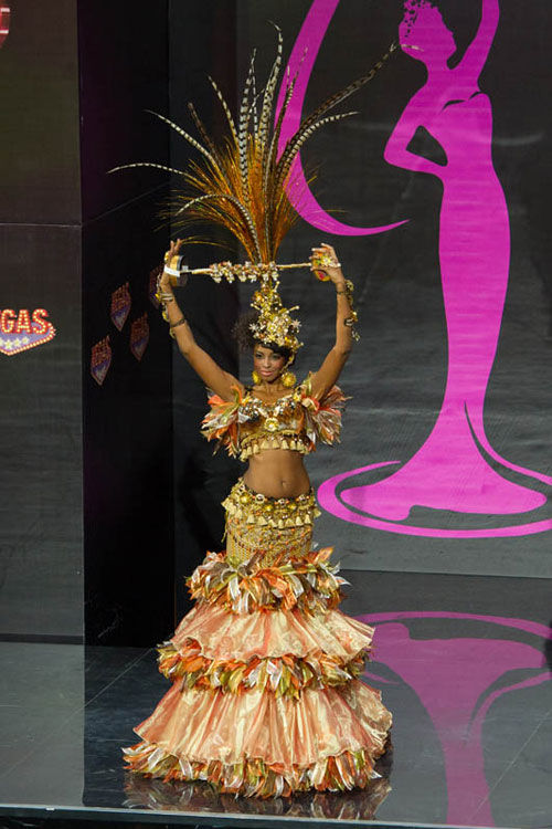 Ngợp vì váy dân tộc tại Miss Universe - 5