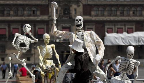 """Mexico: """"Xác ướp"""" cuỗm 77.000 USD trang sức - 1"""