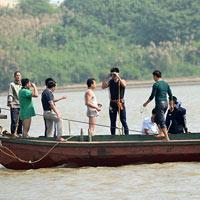 Vụ vứt xác: Không có thi thể quanh cầu Thanh Trì
