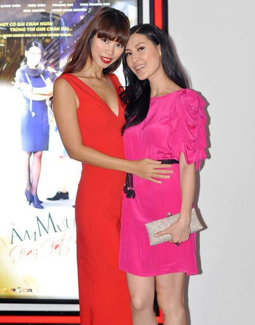 Hà Anh gợi cảm bên Kathy Uyên - 1