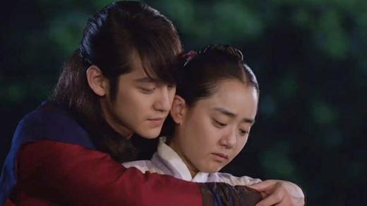 5 bí mật về mối tình Kim Bum, Moon Geun Young - 4
