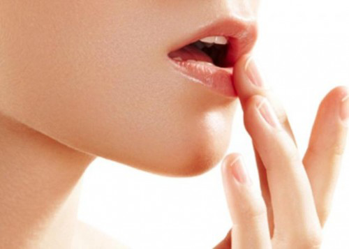 7 mặt nạ tự chế giúp đôi môi mềm mại - 1