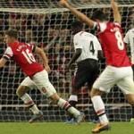 """Bóng đá - Tứ đại gia NHA: Arsenal """"cô đơn"""" trên đỉnh"""