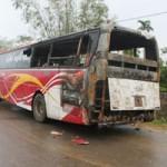 Tin tức trong ngày - Đang chạy, xe khách 40 chỗ bốc cháy dữ dội