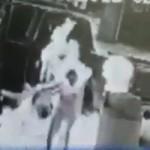 Tin tức trong ngày - Mỹ: Chồng hút thuốc ở cây xăng, vợ bốc cháy
