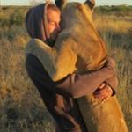 Phi thường - kỳ quặc - Những chàng trai không biết sợ sư tử