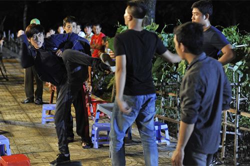Hoài Linh bị phạt trong... nhà vệ sinh - 15