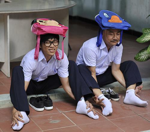 Hoài Linh bị phạt trong... nhà vệ sinh - 7
