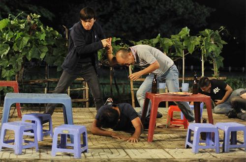 Hoài Linh bị phạt trong... nhà vệ sinh - 11