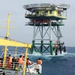 Tin tức trong ngày - Hai tàu cá chết máy trôi dạt gần nhà giàn DK1