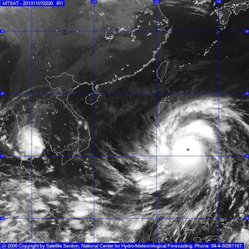 Siêu bão Haiyan băng băng tiến vào Biển Đông - 2