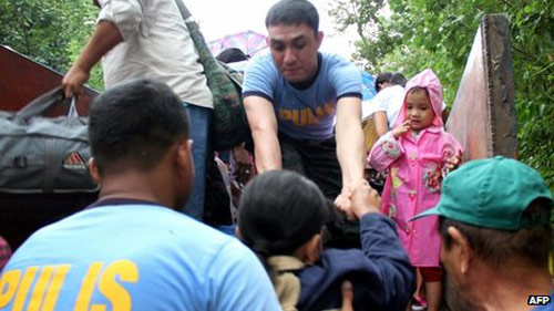 Philippines hứng chịu siêu bão mạnh nhất năm - 2