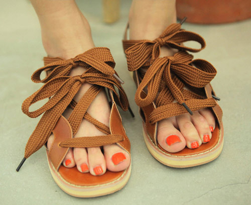 4 kiểu giày không thể thiếu của Thu Đông 2013 - 13