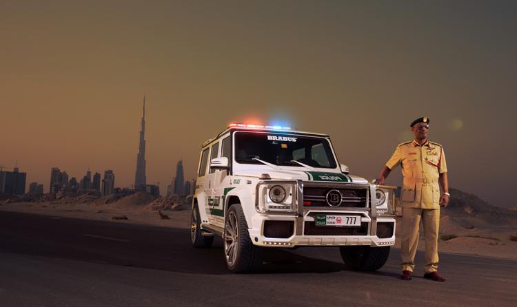 Chiếc Mercedes-Benz G63 AMG nguyên bản đã được hãng độ Brabus tinh chỉnh thành một chiếc xe đặc biệt dành cho cảnh sát Dubai.