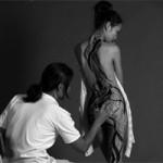 Bạn trẻ - Cuộc sống - Thiếu nữ thích khỏa thân để vẽ lên cơ thể