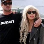 Ca nhạc - MTV - Lady Gaga và bạn trai chính thức chia tay