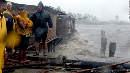 Cận cảnh hành trình chết chóc của bão thế kỷ Haiyan - 1