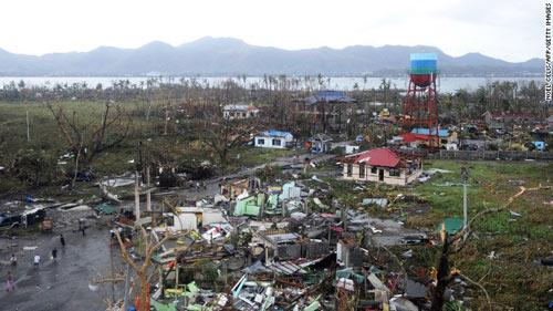 Cận cảnh hành trình chết chóc của bão thế kỷ Haiyan - 16