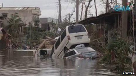 Cận cảnh hành trình chết chóc của bão thế kỷ Haiyan - 18