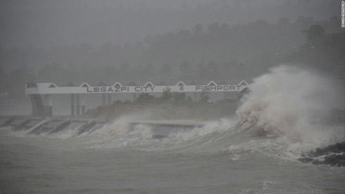 Cận cảnh hành trình chết chóc của bão thế kỷ Haiyan - 3