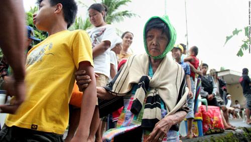 Cận cảnh hành trình chết chóc của bão thế kỷ Haiyan - 4