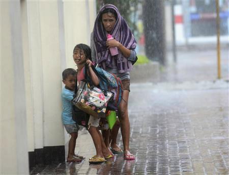 Cận cảnh hành trình chết chóc của bão thế kỷ Haiyan - 8