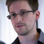 """Tin tức trong ngày - Snowden """"lừa"""" đồng nghiệp cũ để lấy tài liệu mật"""