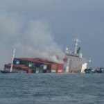Tin tức trong ngày - Tàu hàng container bị đâm bốc cháy dữ dội