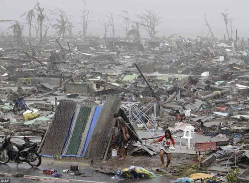 Toàn cảnh siêu bão Haiyan qua ảnh - 1