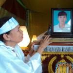 Tin tức trong ngày - Nam sinh tự tử: Chết để mẹ bớt khổ?