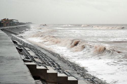 Siêu bão Haiyan đã ở biên giới Việt - Trung - 3
