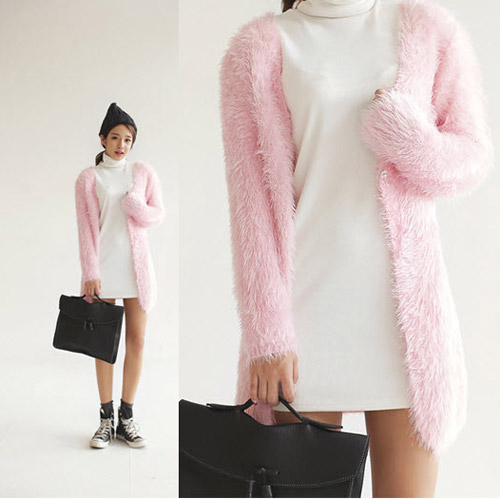 Tôn nét nữ tính với áo len lông xù - 9