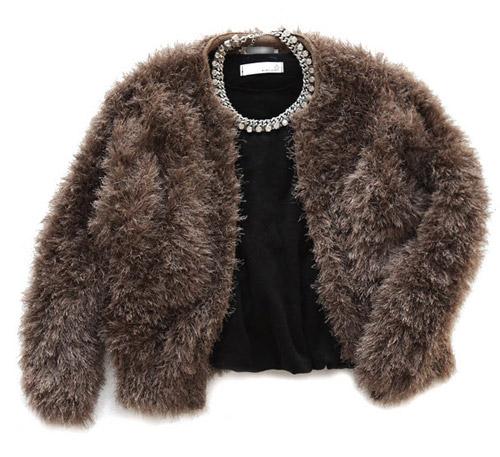 Tôn nét nữ tính với áo len lông xù - 20
