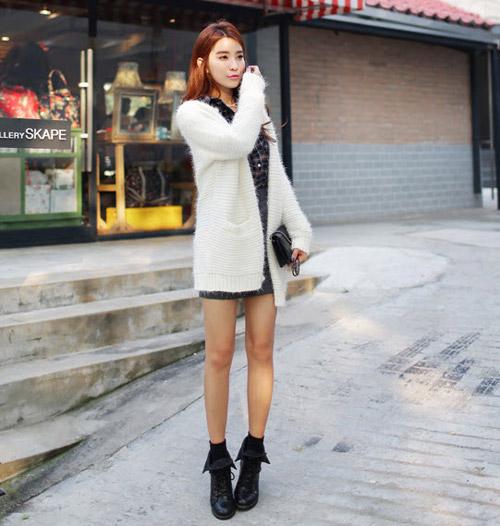 Tôn nét nữ tính với áo len lông xù - 18