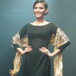 Chiếc khăn rằn bằng vàng lớn nhất Việt Nam