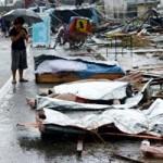 Tin tức trong ngày - Philippines: Nỗi giằng xé của ông bố phải hôi của từ xác chết