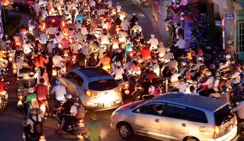 TPHCM: Kẹt xe kinh hoàng, đi 3 giờ chưa tới nhà - 12