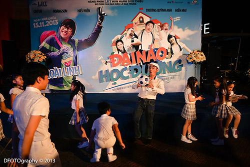 """Hoài Linh """"đại náo"""" rạp chiếu phim - 13"""